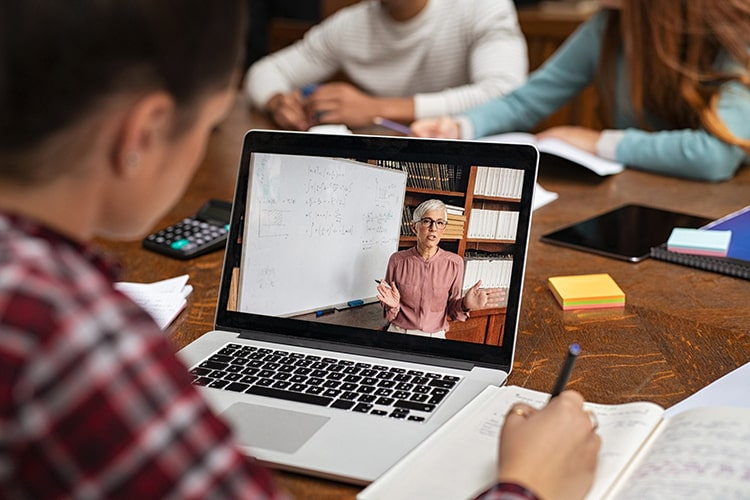 اندازه مناسب برای لپ تاپ دانشجویی
